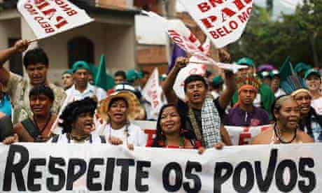 MDG : Rio+20 : Indigenous march against the hydroelectric of Belo Monte