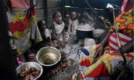 MDG : Family planning : make-shift refugee camp near Goma , DRC