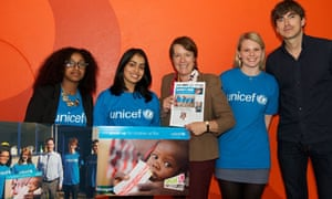 Caroline Spelman receives petition from UNICEF UK's to urge her to 'speak up for children' at Rio+20