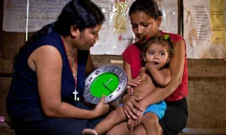 MDG : Pneumonia : volunteer health worker in Leon Province, Nicaragua