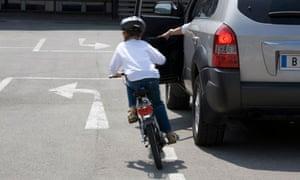 Bike blog : Car dooring, or being hit by an open car door
