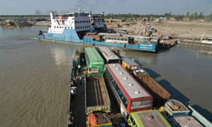 MDG : Bangladesh : Ferry ship on Padma river in Bangladesh