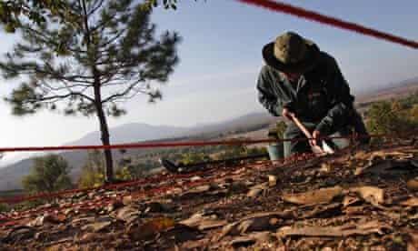 MDG : Laos : MAG experts clear landmines an area of UXO, Plain of Jars, Phonsavan