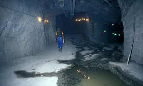 MDG :  De Beers Diamond Mine Kimberley Northern Cape South Africa