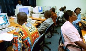 MDG : Open access for development : Computer class in Ivory Coast