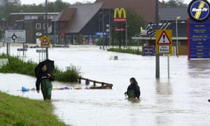 Faq on climate change lead to more floods : 2000 floods in UK
