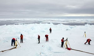John Vidal blog in Arctic : Greenpeace expedition Studying Arctic Sea Ice