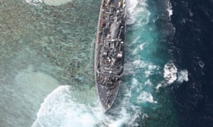 US navy will dismantle minesweeper stranded on coral reef