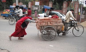 MDG : Casts system in India : Dalits : Poverty and woman labour