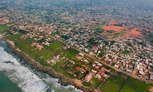 MDG : Coastal development on outskirts of Accra, Ghana.