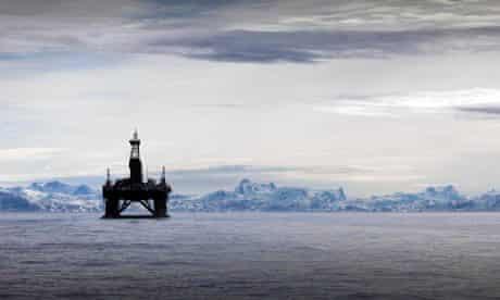 Arctic oil spill pollution risks : Cairn Energy Leiv Eiriksson oil rig