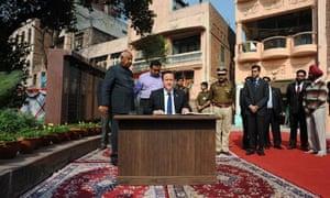 MDG David Cameron in India