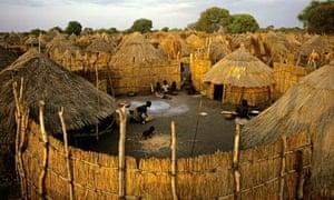 MDG : Anuak Village in Southern Ethiopia