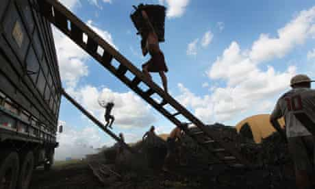 MDG : Slavery : slave workers found in illegal charcoal camps in Amazon, Brazil