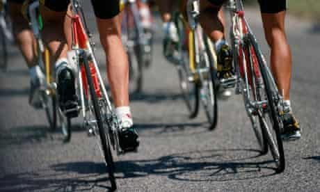 Bike blog : Close up of cyclists shaved legs
