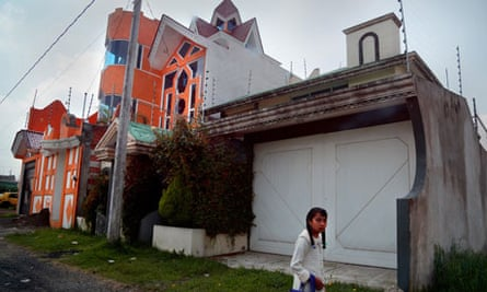 MDG : Human Trafficking in Mexico : sequestering young girls from other towns in Tenancingo