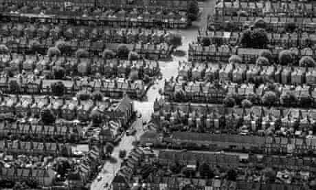 Green deal not working : aerial view of houses on residential streets