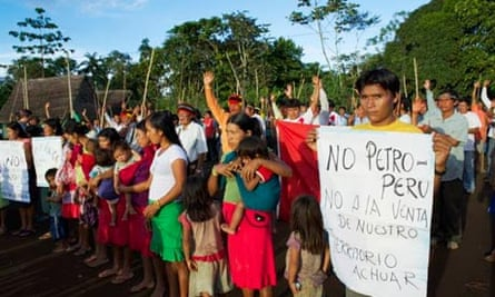 Peru blog : Achuar protesting Peru's state oil company's plans to operate on their land