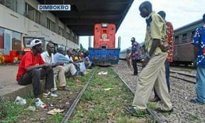 MDG : railway between Ivory Coast and Burkina Faso : Train station in Dimbokro