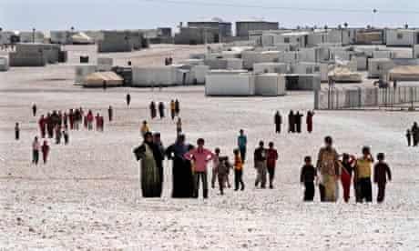 MDG : Syria : Syrian refugees gather at Zaatari camp, Jordan