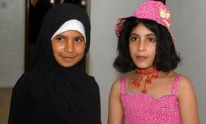 MDG : Child bride in Yemen : Yemeni child brides celebrate their divorces