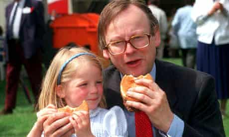 John Gummer and his daughter tucking into a beefburger during BSE crisis