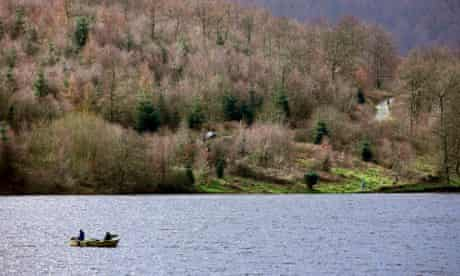 George Mombiot blog about angling fishing : Fishermen on Ladybower Reservoir in Derbyshire