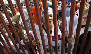 MDG : Cambodian garment workers in Phnom Penh demand the release of jailed rights protesters