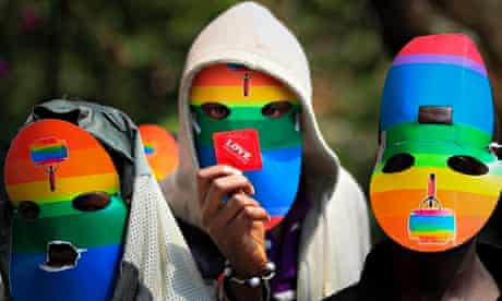 MDG : Masked Kenyan supporters of the LGBT community protest in Nairobi