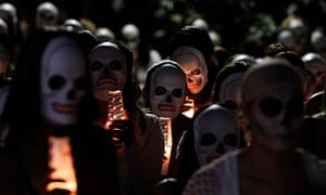 MDG : More than 100 sex workers wear skeleton masks during a procession in Mexico City