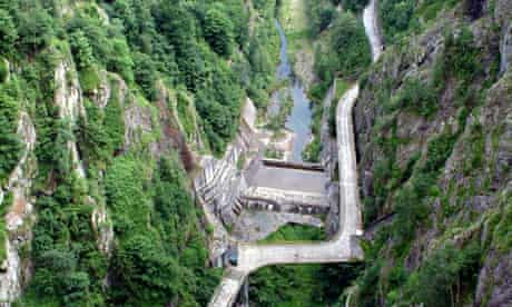 Hydropower plant in Romania : Concrete structures on river Arges