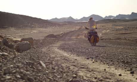 Bike blog : Janapar, Love on a Bike