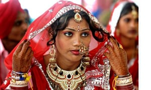MDG : An Indian bride at a mass marriage ceremony