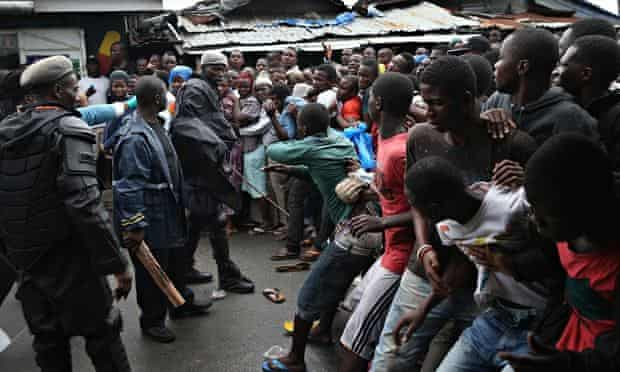 MDG Residents of Liberia's quarantined West Point slum