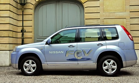 Nissan hydrogen fuel cell vehicle