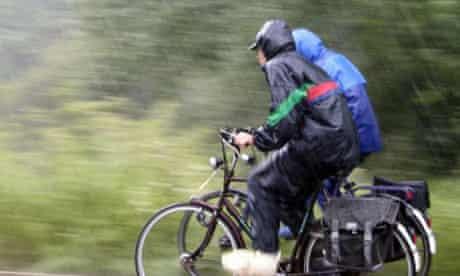 Bike Blog: cyclists in the rain