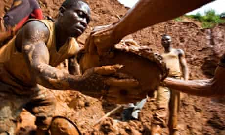 Gold miners Congo