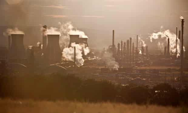 ETS and carbon trading : Vapor rises from the Grangemouth Refinery