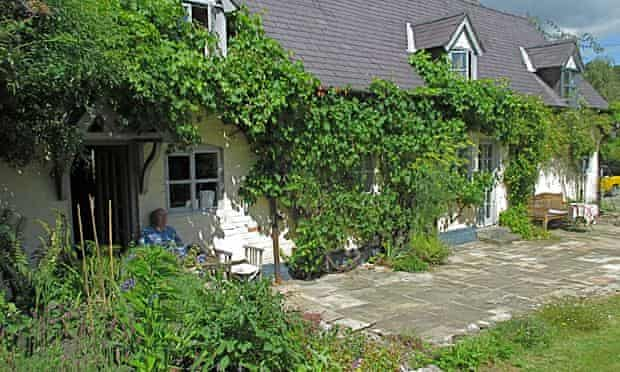 Improving old homes energy efficient : Welsh half-timbered industrial workers' cottages