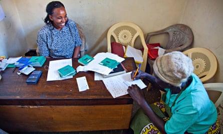 MDG : Microfinance for women in Kenya : Mayuno Maji Mazuri microfinance, Mathare Slums, Nairobi
