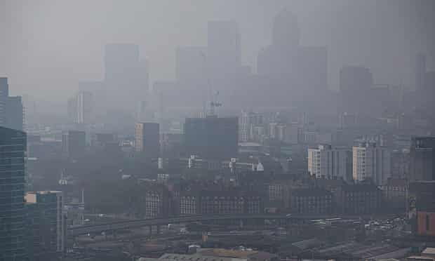 ir pollution hanging in the air and lowering visibility in London
