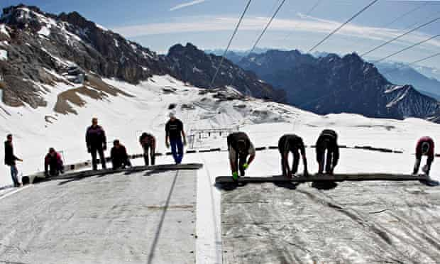 Geoengineering to  combat climate change : covering Zugspitze glaciers, Germany
