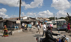 MDG : Busy street scene in Dar es Salaam, Tanzania
