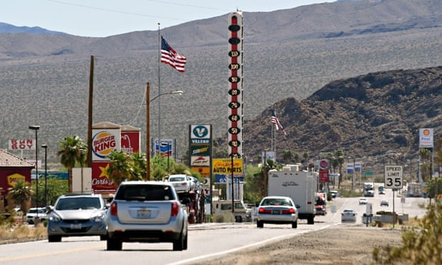 2014 hottest year on record : 134-Foot-High Thermometer in Baker, California