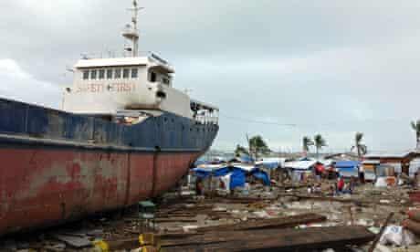 MDG : A ship washed ashore by Super Typhoon Haiyan at Anibong in Tacloban, Philippines