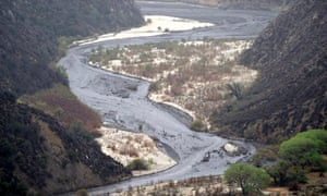 Fire in California : mud debris flows through the canyons of Lake Hughes above Castaic Lake