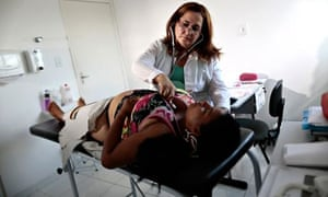 MDG : Maternal health in Brazil : doctor inspects a pregnant patient