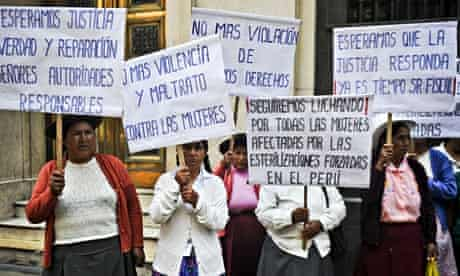 MDG : Peru: Peruvian andean women victims of forced sterilizations protest in Lima
