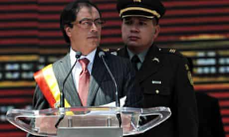 Bogota's new Mayor Gustavo Petro caresse