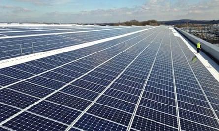 Jaguar Land Rover rooftop solar panel array